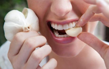 Alimentos que provocan mal aliento- halitosis