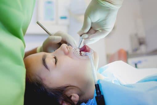 ¿En qué consiste limpieza bucal?