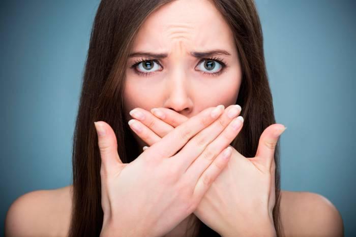 ¿Por qué me duelen los dientes? Causas más habituales